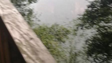 10岁11个月 康辉贵州赤水佛光岩丹霞地貌景区游览