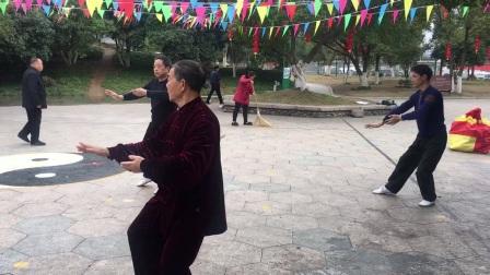 杨乃景,卢兴璋;杨介蒙。正月初六晨练42式太极拳。