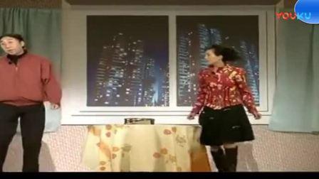 """冯巩朱莉小品-_《虐恋》看看这对""""穷人""""是怎么离婚的-_笑趴了"""