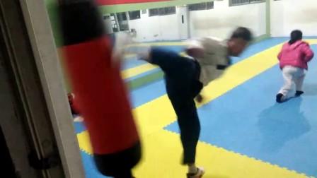 跆拳道基本腿法组合