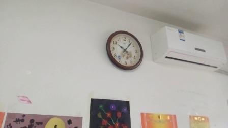 我家的康巴丝挂钟又MP3模拟报时了!  音乐:追梦人