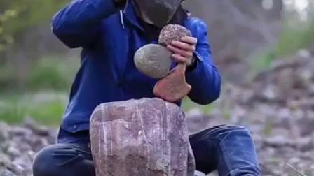 歪果仁这样玩石头