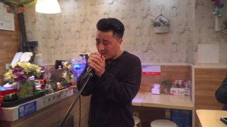 传奇小店蘸锵锵 麻辣香锅店里的《蒙古人》