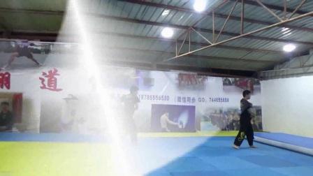 空翻 特技教学 武术表演 双节棍套路 腿法 跑酷极限武术教学