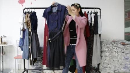 精品女装批发服装批发女士时尚春夏秋款精品两件套30套起批,可挑款零售混批