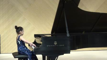 7岁Chloe Sun plays Sonatina Op.168 no.1 by Diabelli