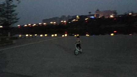 张继宇VS刘正茂–自行车友谊赛