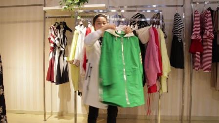 精品女装批发服装批发品牌女士时尚春夏秋长款防晒衣20件起批,质量很好挑款零售混批