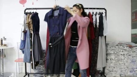 精品女装批发服装批发女士时尚春夏秋款时尚精品两件套30套起批,可挑款零售混批