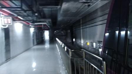 南京地铁s3号线(007008)出油坊桥站。