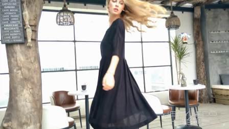 小黑裙带给你的别致优雅