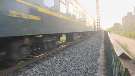 客车K390本务HXD1D0260