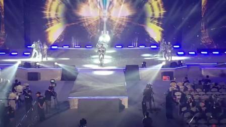 广州鼓舞倾城艺术团 16人男女镜片舞