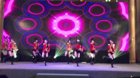 广州鼓舞倾城艺术团 性感兔子舞蹈