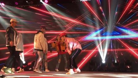 广州鼓舞倾城艺术团 男生街舞