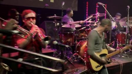 Aaron Spears featuring Jabo Starks