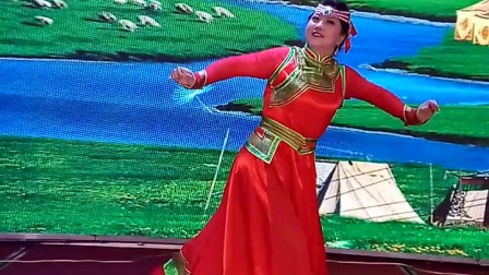 V80602-135338蒙古舞,《遥远的妈妈》表演者,王荣