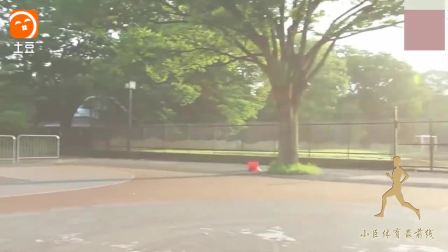 这女朋友要不要  美女街球技术很6很温柔的街头篮球过人