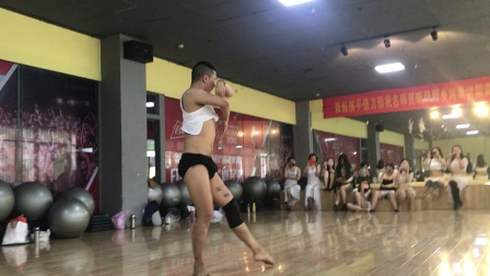 上海专业肚皮舞教学   贺晓明