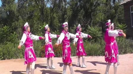 沈北新区喜洋洋广场舞-马背上的情歌6人.mp4