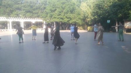 郭爱萍舞蹈,青春舞曲。D_20180613_071230