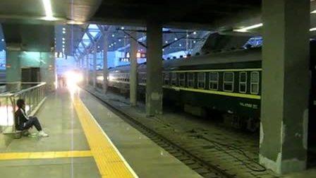 1407次正点到达天津站进三站台