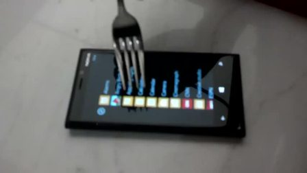 Nokia Lumia 920 Screen Works with a Fork 2012 HD