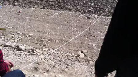 梅斯布拉克河床视察领导3
