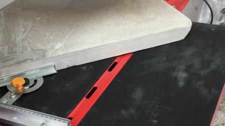 瓷砖切割机切割4cm厚度混凝土