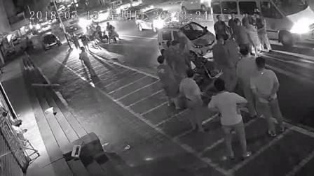 99枣庄市市中区商城城管黑天带人抢劫