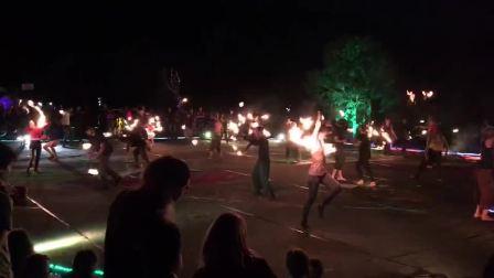 Ani Pelu, 一起火跳舞, Phoenix在德国, anipelu.com