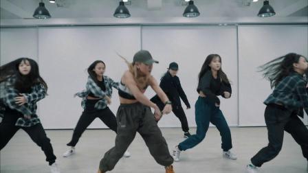 特别推荐丨超棒的雷鬼舞 CeCile - Hot Like We