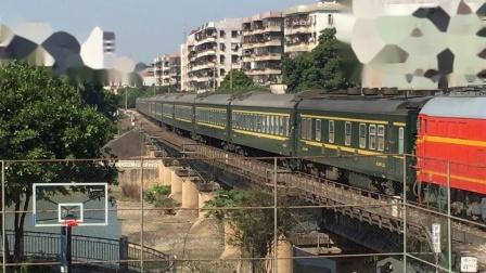 DF4K2612牵引K842贵阳一广州 快速通过西南铁路桥