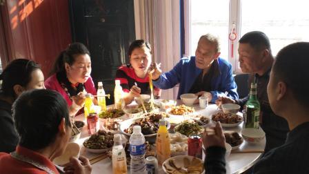 熊占伟上传:2019年:全家过年:聚餐