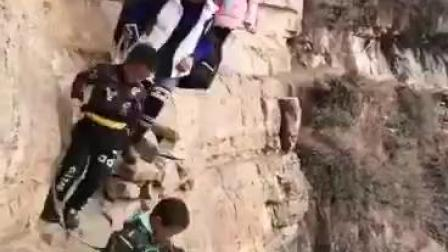 CCTV牛恩发现之旅:人间正道是苍桑(山顶人家四川)。