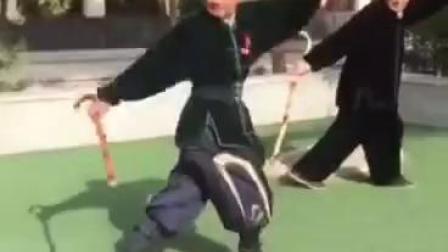 这拐杖术?