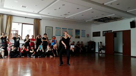 舞蹈:再唱洪湖水(正面)