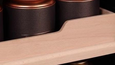 (南京麦瑞罗永新)卖货架给起个名字周转箱带盖子公用临空防护栏标准