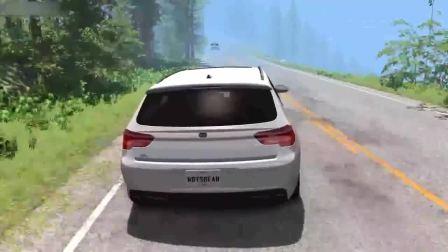极端的警察紧紧追逐超速跑车 发生撞车和故障