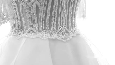奈特丽时尚婚纱礼服视频,记得关注我