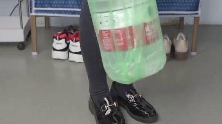 这个手提垃圾袋质量确实不错,承重也好,可是…