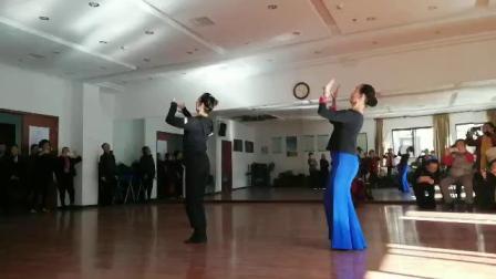 傣族舞:我爱你勐巴拉娜西(背面)