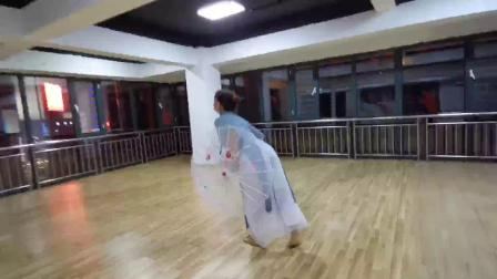 七彩蝶舞蹈学校57岁学员学龄一年表演中国舞古典舞《青蛇》