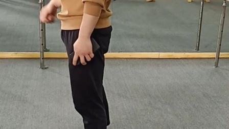 大腿内侧肌肉练习 【舞与伦比】