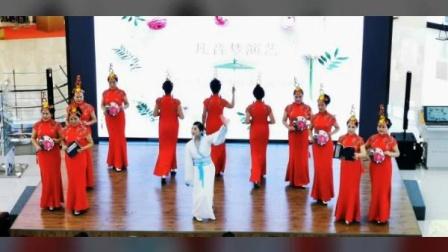 十月玫瑰(🌹中间白色汉舞服)2020年元月1号下午特邀和模特姐妹★(居然之家)★迎新年演出★模舞《清明上河图》照片