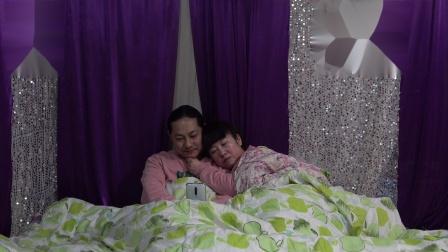 吃完年夜饭,朱坤躺在床上真舒服