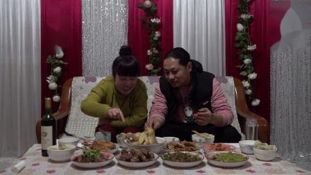 年夜饭朱坤声称:一年到头这一餐是最丰富的,味道不错