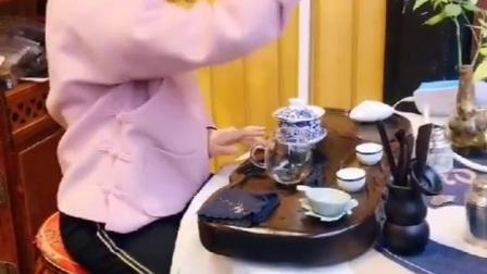 小鹅草茶|小姑娘表演