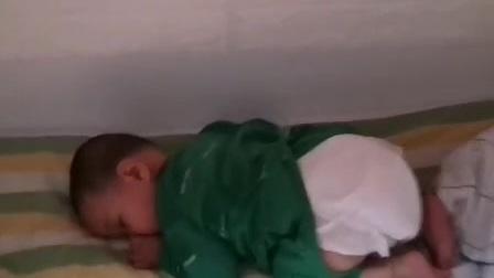 小和和滴睡姿酷不酷!🐖🐖🐖
