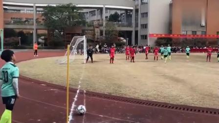 小弟弟你踢的这么好可怎么进国家队啊。